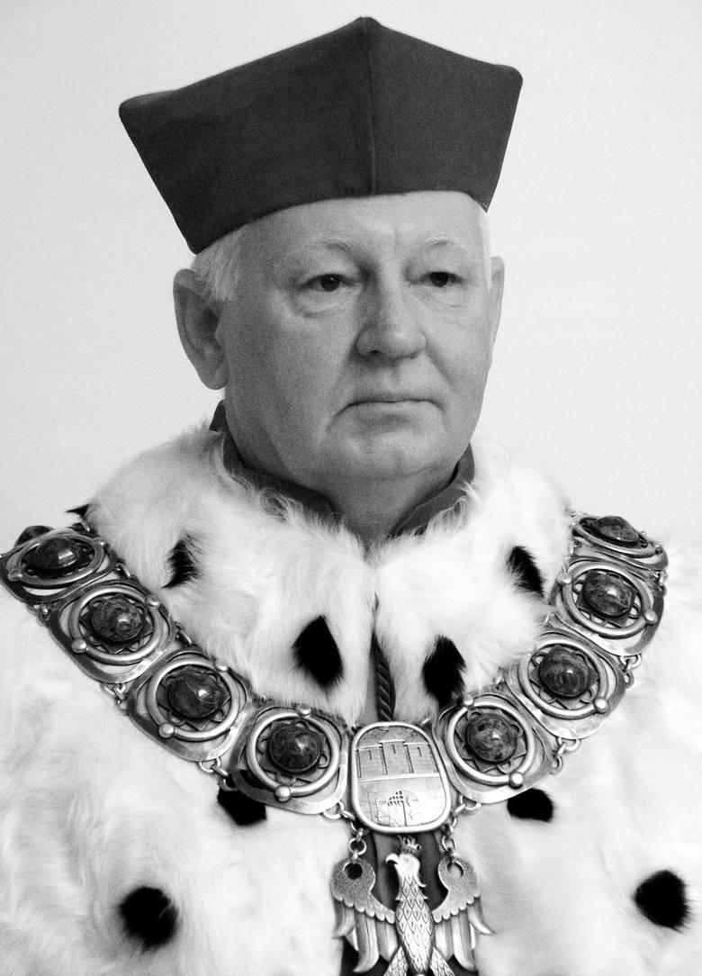 Prof. Adam Marcinkowski