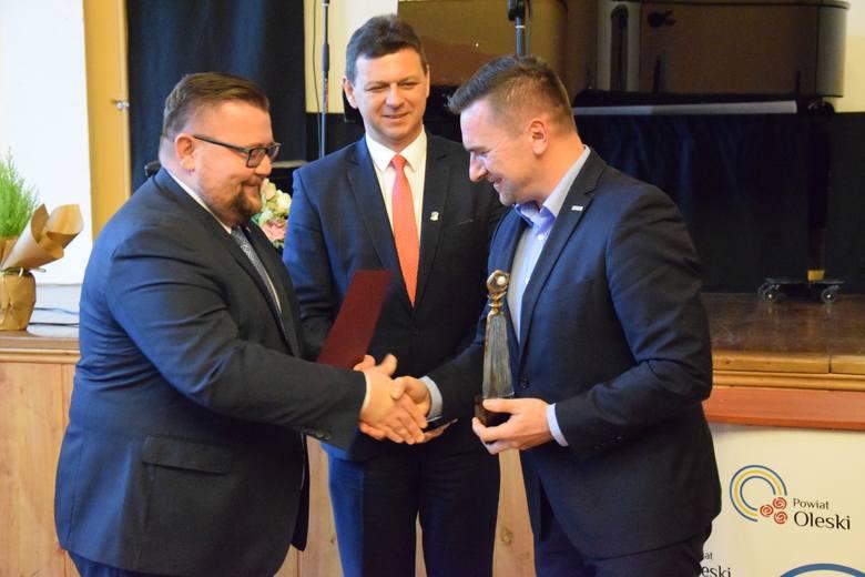 """Gala Pereł Powiatu Oleskiego podczas Forum Ekonomicznego """"Kooperacja"""" w Oleśnie."""