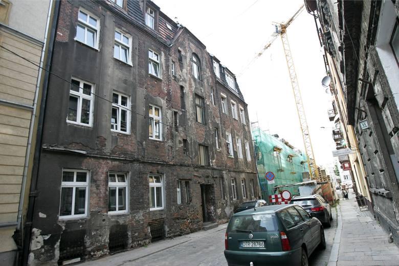 Wrocław: Nadodrze wyróżnione, chociaż w wielu miejscach przypomina slamsy