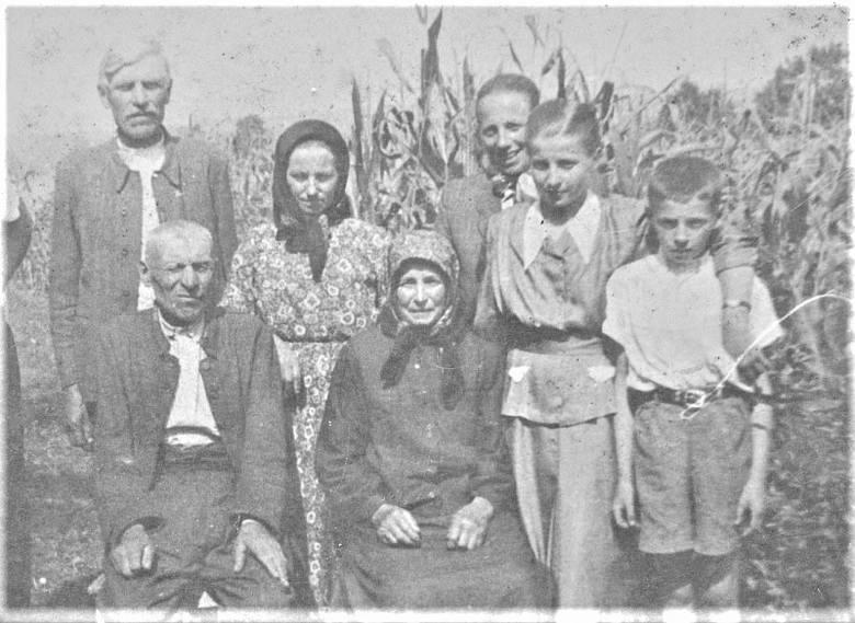 Przed wyjazdem na zachód Dźwinogród i cała okolica żyły w niewyobrażalnym strachu