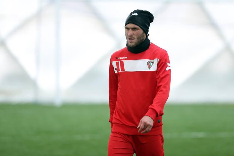 Zobaczymy, jak na polskich stadionach odnajdzie się Giorgi Gabedawa. 29-letni napastnik z Gruzji strzelać gole potrafi. W poprzednim sezonie (system