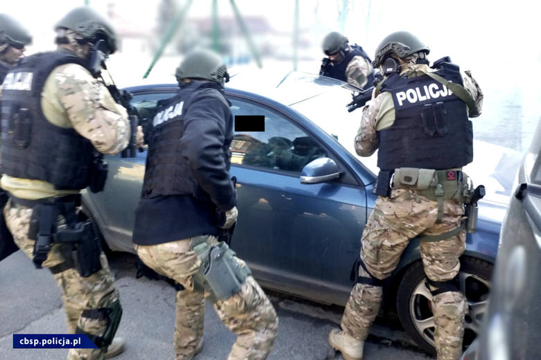 """CBŚP uderzyło w agencje towarzyskie tzw. """"mieszkaniówki"""" na terenie Podkarpacia i 4 innych województw"""