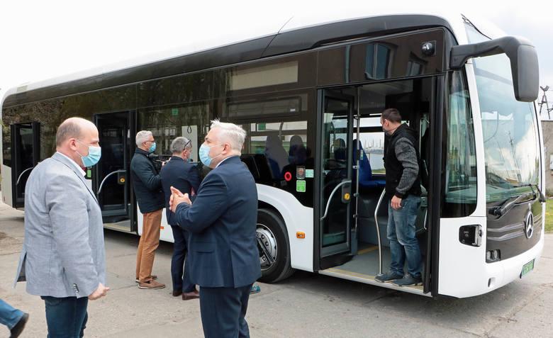 Miejski Zakład Komunikacji testuje właśnie autobus marki Mercedes o napędzie elektrycznym. Testy pojazdu na grudziądzkich ulicach potrwają do 19 maja.