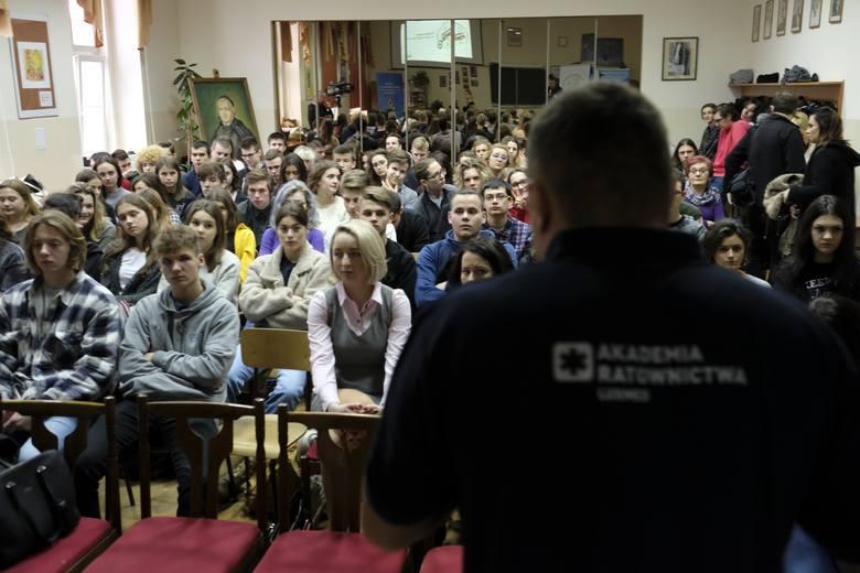 Ponad tysiąc uczniów z Rzeszowa nauczy się jak ratować życie