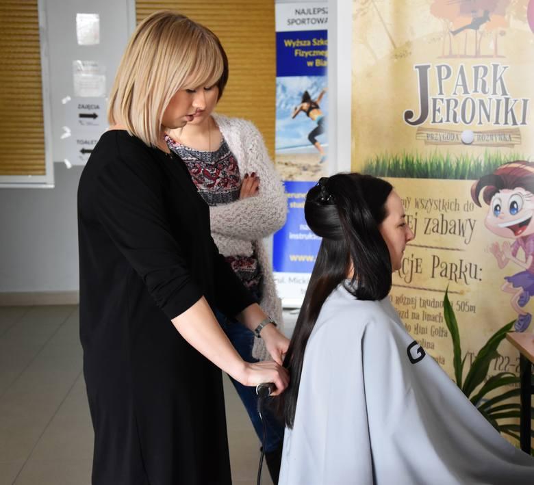 W trakcie imprezy odbywającej się w Wyższej Szkole Wychowania Fizycznego i Turystyki w Białymstoku decyzję o oddaniu się w ręce fryzjera podjęło 6 k