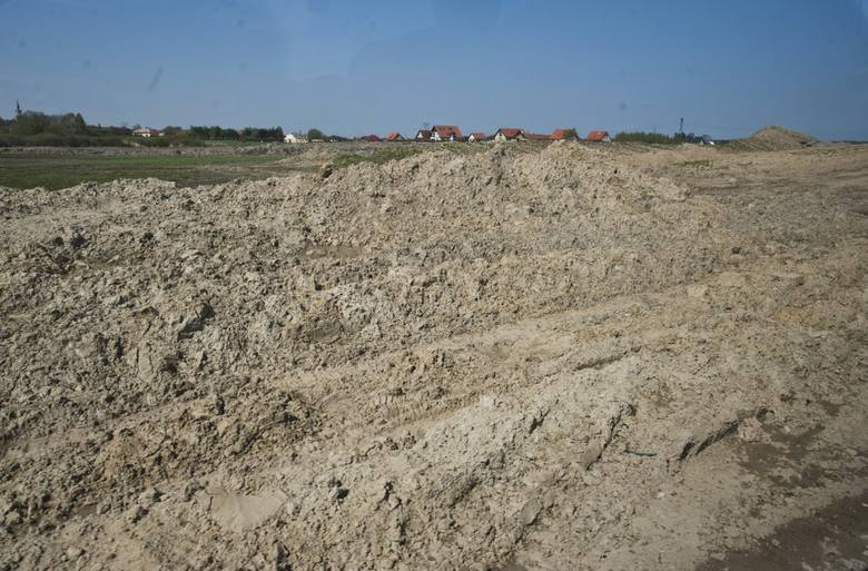 """W naszym regionie trwa budowa obwodnicy Koszalina i Sianowa w ramach realizacji drogi ekspresowej S6. W piątek odwiedziliśmy plac budowy. Zobaczcie zdjęcia i wideo.<br /> <br /> <iframe width=""""560"""" height=""""315"""" src=""""https://www.youtube.com/embed/w2cc68NvzfM"""" frameborder=""""0""""..."""