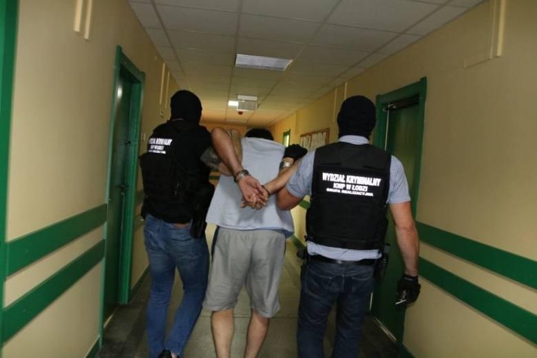 Policjanci z łódzkiego Archiwum X wytropili bandytę podejrzanego o zabójstwo przed laty policjanta, st. sierż. Henryka Stolarka z komisariatu w Brzeźniu