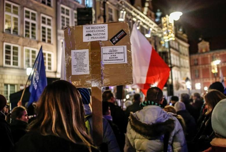 W całej Polsce protestują nauczyciele