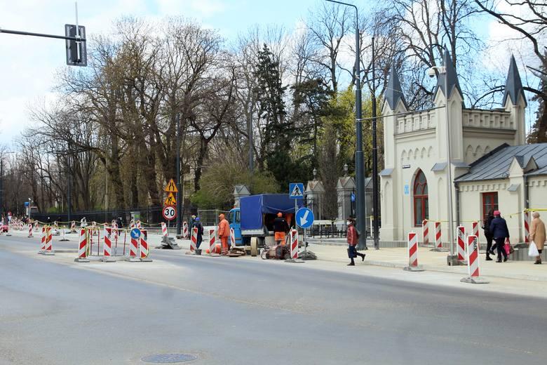 Krakowskie Przedmieście w Lublinie z początku XX wieku i teraz. Zobacz niezwykłe zdjęcia