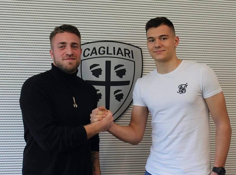 19-letni napastnik zdecydował się na przenosiny z UKS SMS Łódź (ostatnio był na wypożyczeniu w GKS-ie Bełchatów) do drużyny z Serie A. Ma rundę, by przekonać