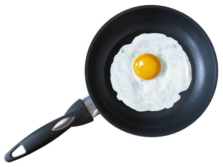 Jedno jajko to 6 gramów białka, w dodatku pełnowartościowego, które zawiera wszystkie niezbędne dla funkcjonowania organizmu aminokwasy. Dziś coraz częściej