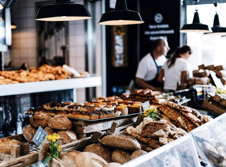Gastronomiczny rynek w naszym mieście cały czas się zmienia. W miejsca po zamkniętych lokalach powstają nowe. Gdzie warto się wybrać? Czego warto po