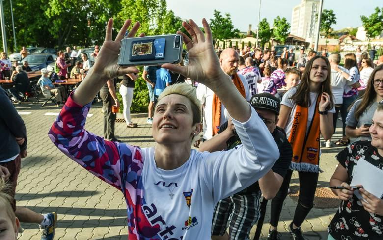 Koszykarki Artego Bydgoszcz mają za sobą naprawdę udany sezon. Co prawda w finale ligi przegrały rywalizację z CCC Polkowice 0:3, ale rozgrywki zakończyły