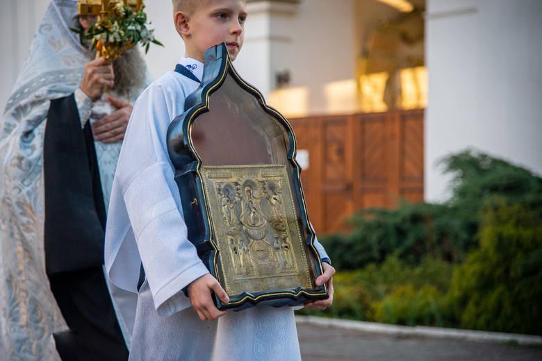 """Ikona Bogurodzicy """"Życiodajne Źródło"""" w monasterze w Supraślu wydziela mirro"""