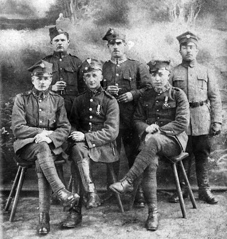 Marszałek Józef Piłsudski na spotkaniu z oficerami 66. Pułku Piechoty w Toruniu, w 1921 roku.