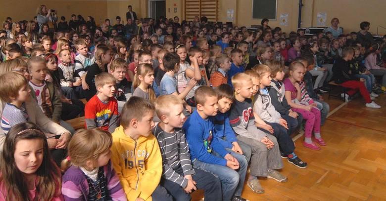 """Piknik odbywał się w ramach projektu """"Eduscience"""", do którego przystąpiła szkoła w Jasionce."""