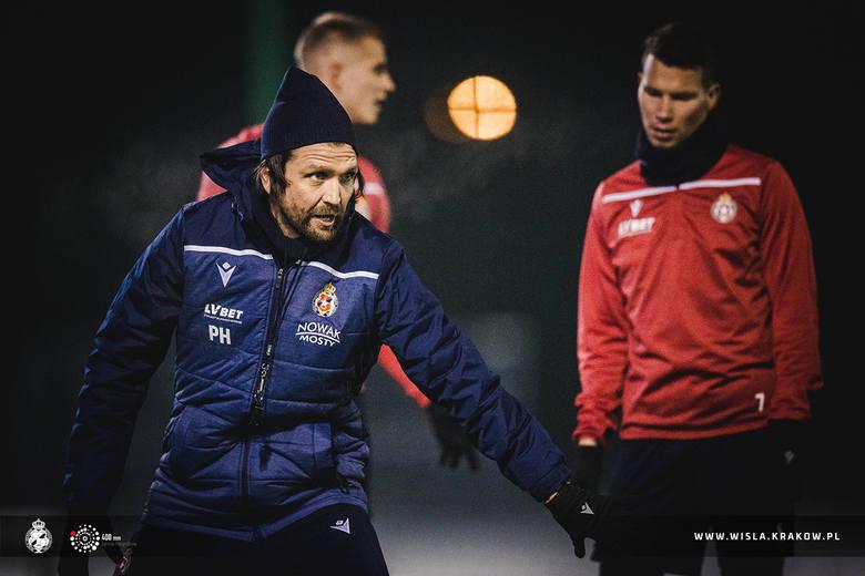 PKO Ekstraklasa. W czwartek prezentacja, w czwartek również pierwszy trening i zarazem jedyny przed derbami z Cracovią. Za Peterem Hyballą, nowym trenerem