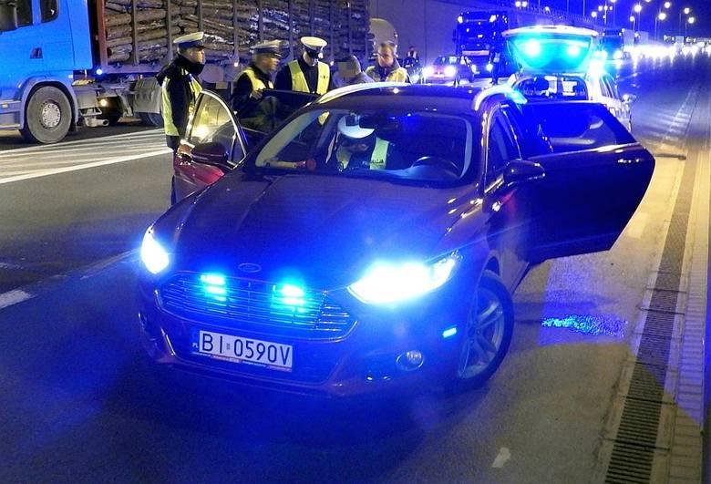 Ford Mondeo Mk V sieje postrach wśród kierowców najczęściej na drogach, na których można jeździć szybciej niż 50 km/h. Często można go spotkać na obwodówce