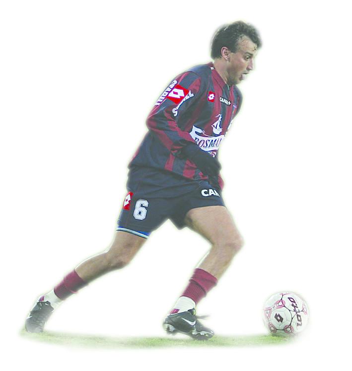 Claudio Milar miał propozycję gry w przerwie zimowej w Brasil de Pelotas. Oferta ta została jednak odrzucona przez Dawida Ptaka, prezesa Pogoni.