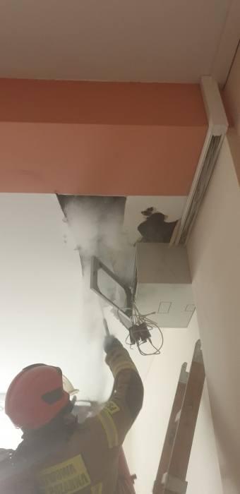 Świebodzin. Pracownicy ewakuowali 70 osób. Palił się strop w poradni Lubuskiego Centrum Ortopedii