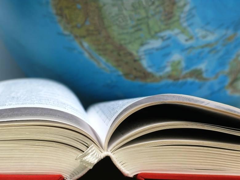 Uczniowie, którzy będą zdawać międzynarodową maturę, będą musieli się uczyć dodatkowych przedmiotów.