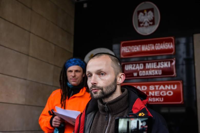 """Budżet Obywatelski 2018 w Gdańsku. Wszystko albo """"opcja zero"""". Działacze apelują do prezydenta o """"usunięcie naruszeń prawa"""" [zdjęcia]"""