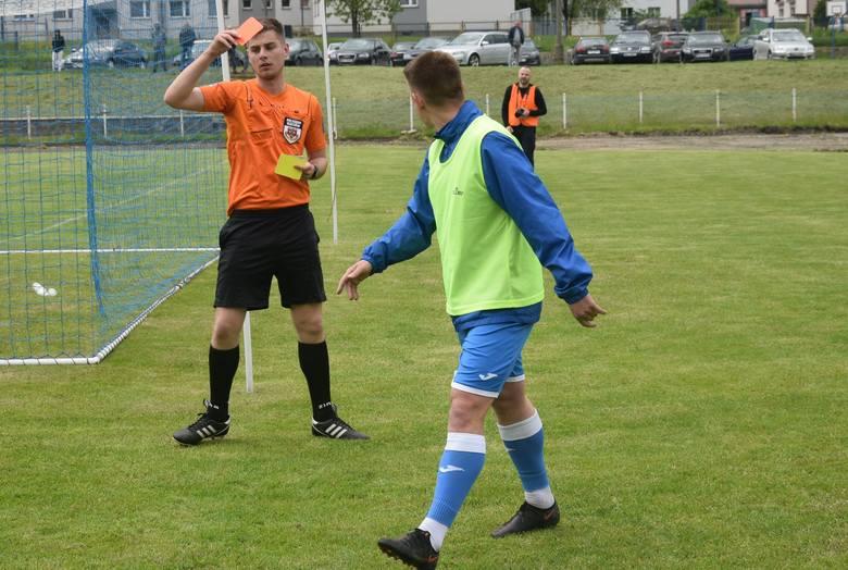 W meczu ligi okręgowej, Orzeł Wierzbica zremisował 2:2 na własnym boisku z Szydłowianką Szydłowiec.Orzeł - Szydłowianka 2:2 (1:1)Bramki: Maciej Szczepanik