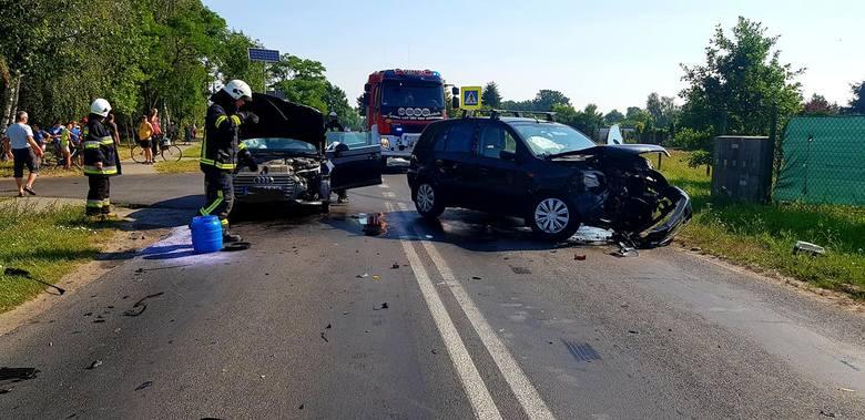 Wypadek na skrzyżowaniu DW 546 z ul. Osiedlową w Złejwsi Małej. Na miejscu zdarzenia pracowała Ochotnicza Straż Pożarna w Toporzysku, a także druhowie