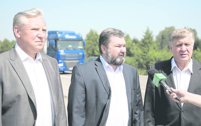Konferencja w Katrynce  była pierwszą po wyborze europosła Karola Karskiego (w środku), jak  i Jana Dobrzyńskiego (z lewej) w roli kandydata PiS na prezydenta