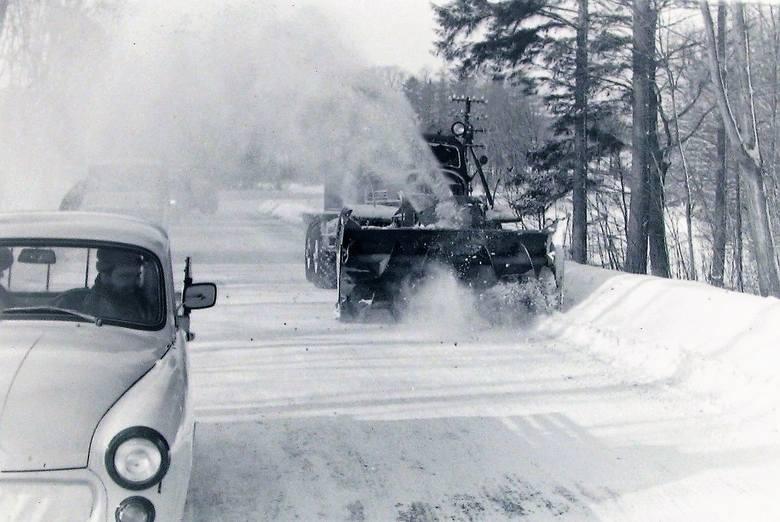 Na drodze Słupsk – Lębork niezbędny był pług wirnikowy.