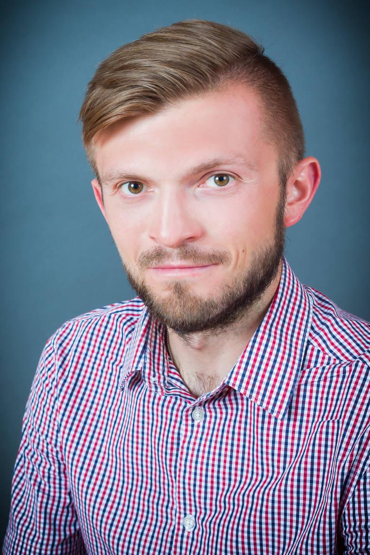 Dr Przemysław Nosal jest jednym z autorów książki o upolitycznieniu polskiego ruchu kibicowskiego