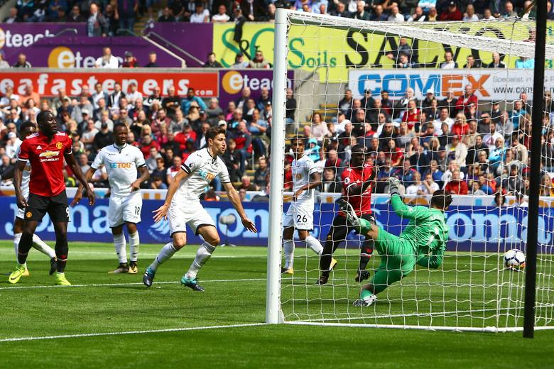 Liga angielska. Fabiański rozstrzelany przez diabły Mourinho