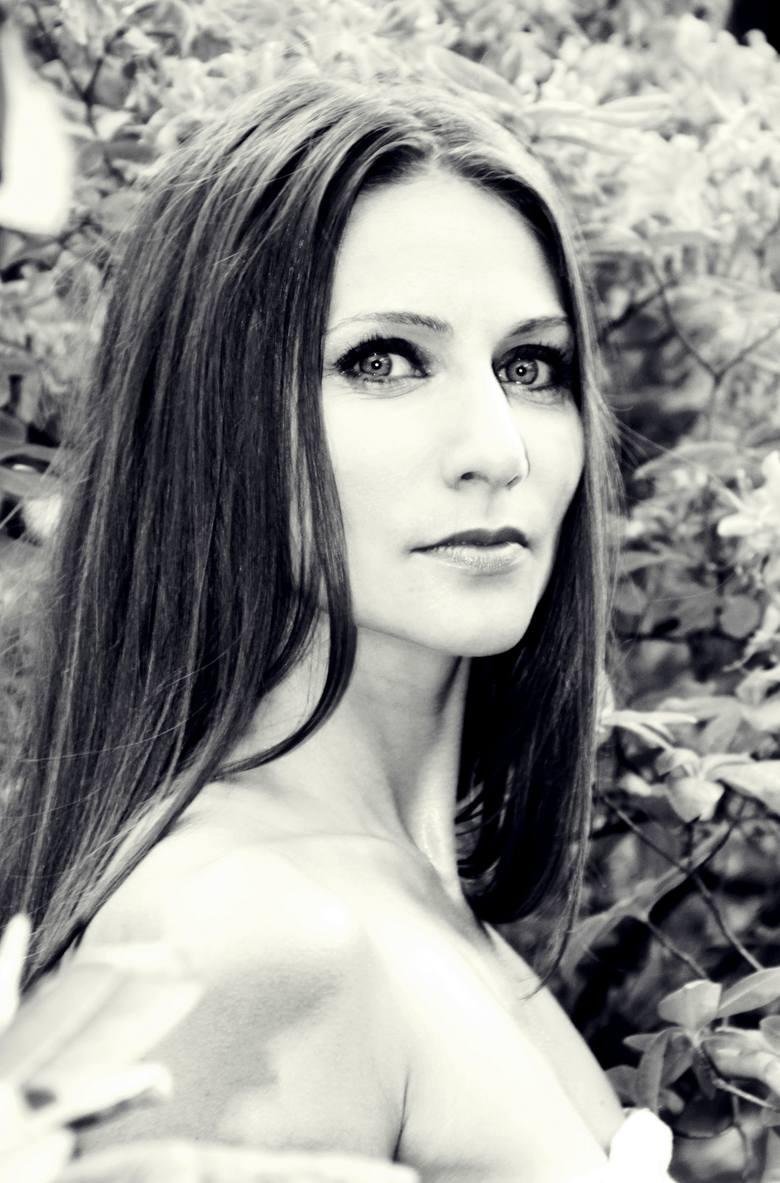 """Laureatka Medalu Młodej Sztuki w kategorii """"Teatr"""" Anna Lasota nie ogranicza się tylko do grania w spektaklach Teatru Muzycznego. Bierze też udział w"""