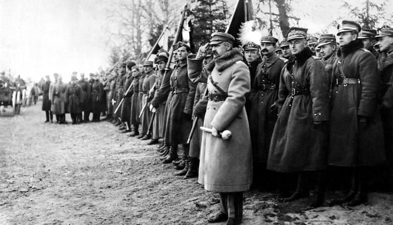Polska kawaleria na patrolu.