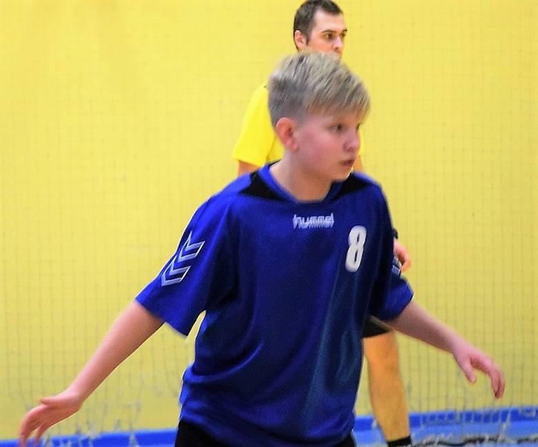 Mecz piłki ręcznej w ramach rozgrywek Lubuskiej Ligi Młodzików: UKS Nukleon Kostrzyn nad Odrą kontra TS Zew II Świebodzin
