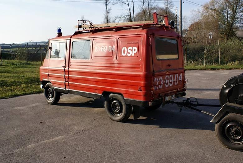 Kulesze Kościelne. Zabytkowy wóz strażacki wystawiony na sprzedaż. To gratka dla miłośników starej motoryzacji (ZDJĘCIA)