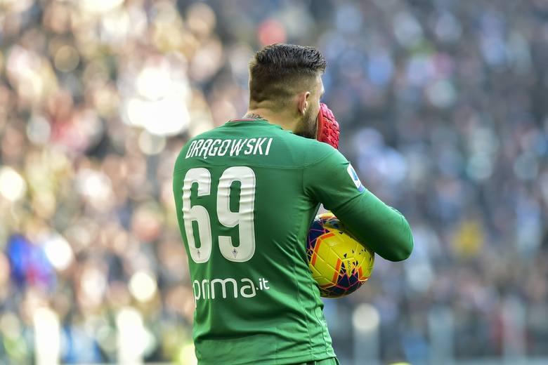 Ma 22 lata. W reprezentacji jeszcze bez debiutu. Sporo meczów rozegrał za to w Serie A - 47. W Fiorentinie od połowy 2016 roku, z przerwą na wypożyczenie