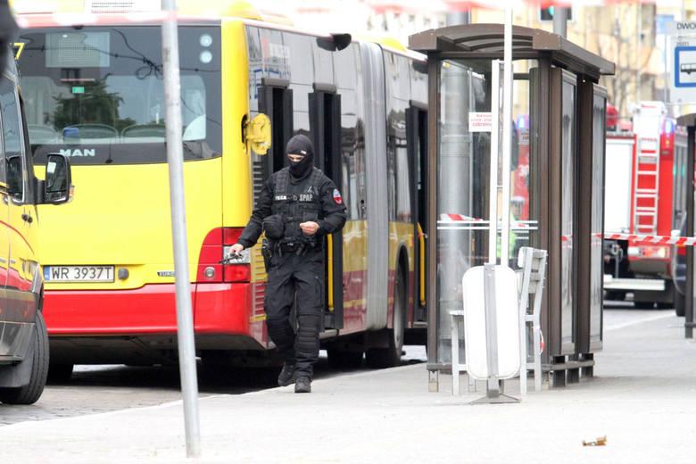"""MPK apeluje do pasażerów o czujność. """"Realne zagrożenie"""""""