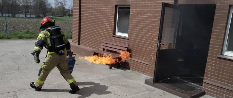 Niebezpieczny pożar butli z gazem w Strzelcach Krajeńskich
