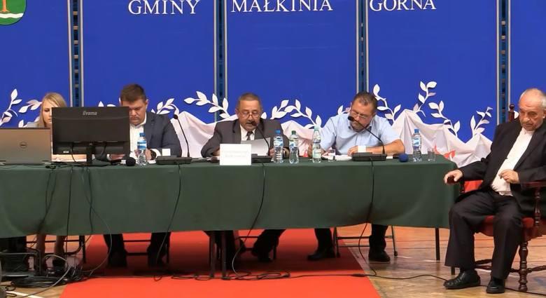 Małkinia Górna. Ksiądz prałat Marian Niemyjski otrzymał tytuł Honorowego Obywatela Gminy.