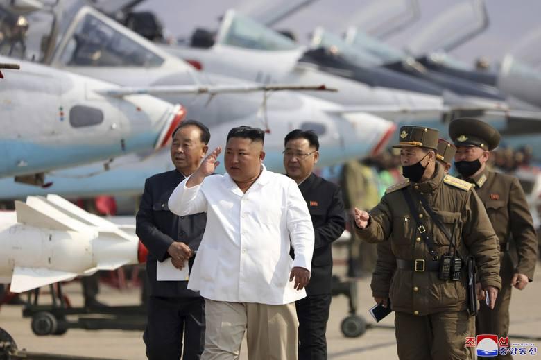 Władze USA z uwagą analizują informacje dotyczące przywódcy Korei Północnej Kima Dzong Una. - Nie widzieliśmy go - mówią.