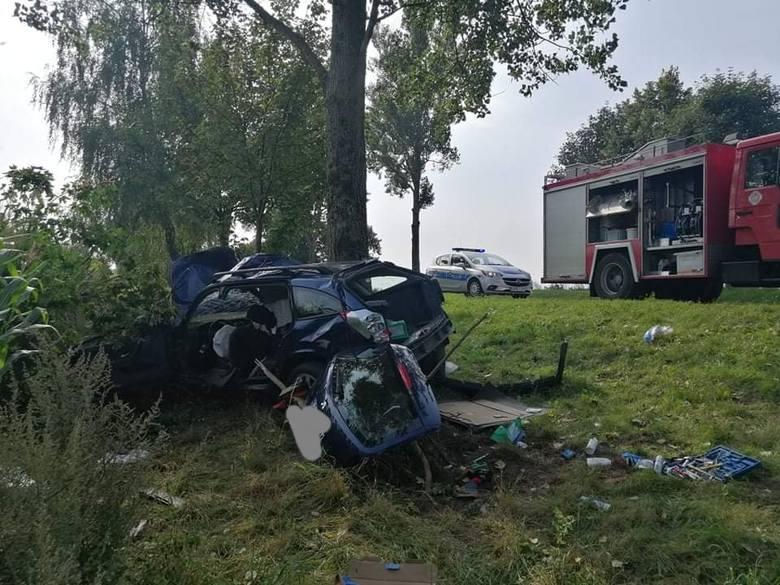 Dzisiaj (sobota) doszło do wypadku na drodze krajowej nr 21 na odcinku drogi Suchorze-Objezierze. Kierowca samochodu osobowego stracił panowanie nad