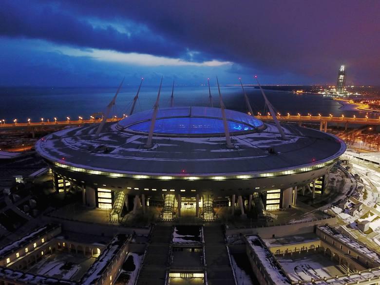 Mundial 2018 zostanie rozegrany na 12 stadionach w 11 rosyjskich miastach. Mecz otwarcia i wielki finał Mistrzostw Świata 2018 odbędą się na obiekcie