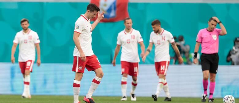 A Lewandowski to grał? Zobacz komentarze kibiców po porażce ze Słowacją...