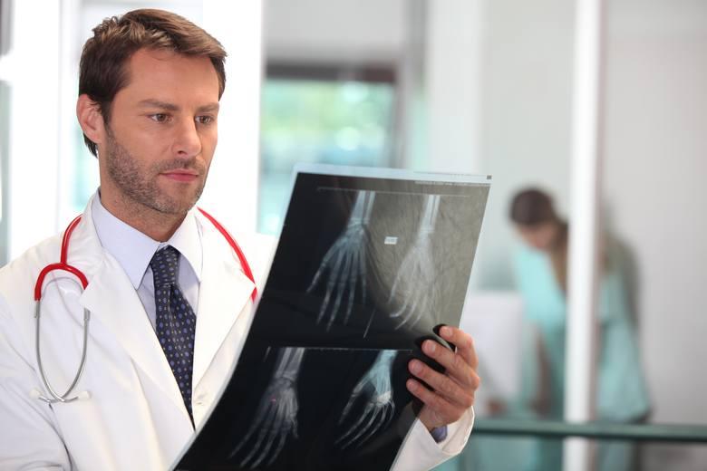 Jak znaleźć dobrego ortopedę w woj. lubuskim? Gdzie przyjmuje i w jakich godzinach? Jeśli mowa o ortopedii, to warto podkreślić, że jest to bardzo ważna