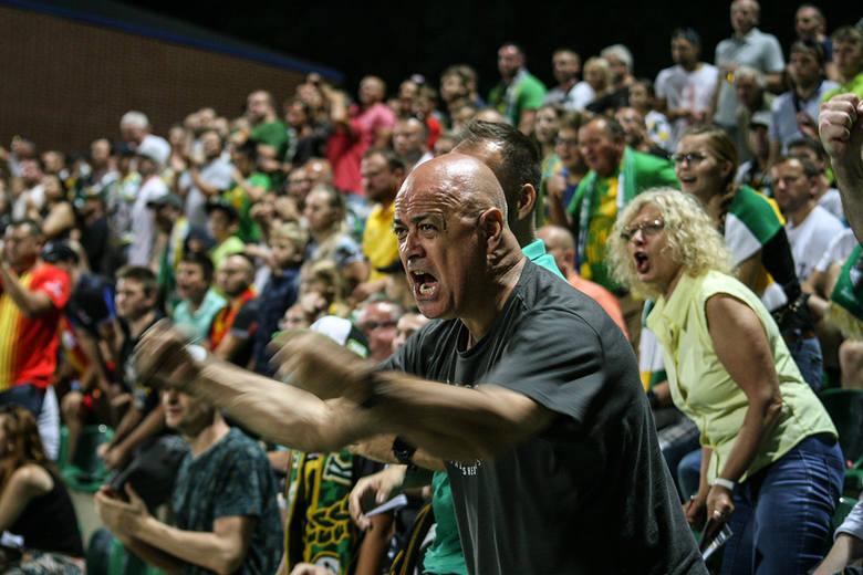 Żużlowcy Stelmetu Falubazu Zielona Góra wygrali pierwszy półfinałowy mecz w PGE Ekstralidze z Betard Spartą Wrocław (48:42) i są bliżej finału rozgrywek.