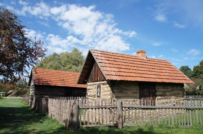 Piętnaście najtańszych domów w Łódzkiem. W cenie kawalerki możesz kupić gospodarstwo pod miastem. Sprawdź!  W styczniu  2021 r . siedlisko, dom z działką