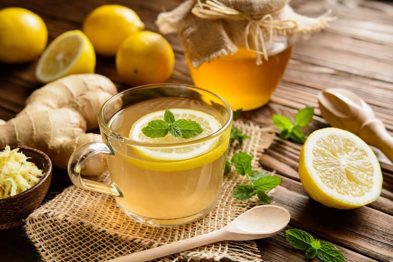 HERBATA + MIÓDHERBATA + CYTRYNAtego lepiej nie łączZarówno miód jak i cytryna w połączeniu z gorącą herbatą tracą swoje właściwości. Głównym winowajcą