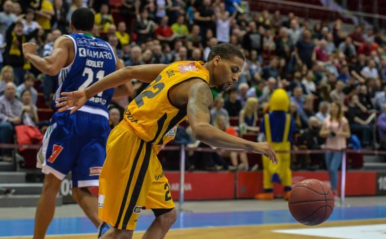 Kibice Trefla Sopot wspierają swoją drużynę na finiszu rozgrywek Energa Basket Ligi