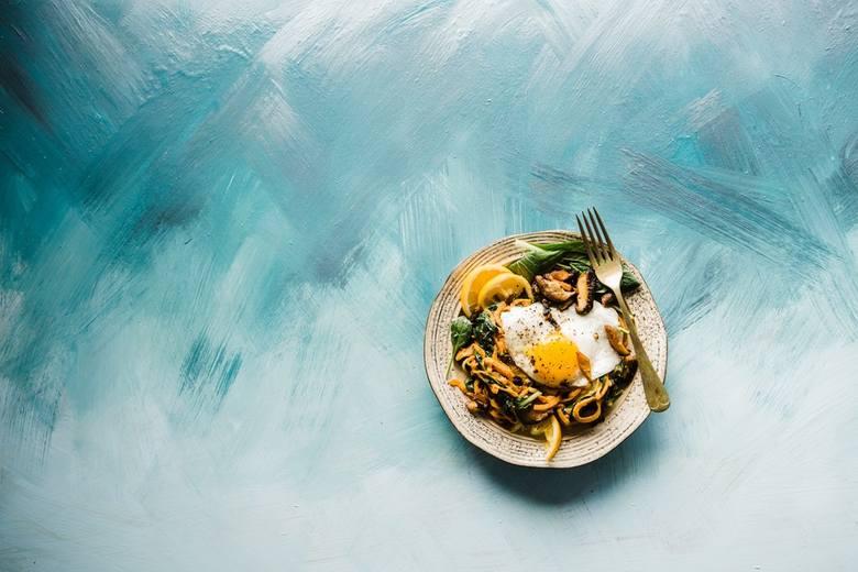 Dania dietetyczne. Szybkie i proste przepisy na zdrowy obiad. Pomysły na lekkie, pyszne i kolorowe posiłki